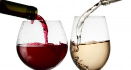 Vino bianco o rosso? Fai scegliere ai tuoi denti!